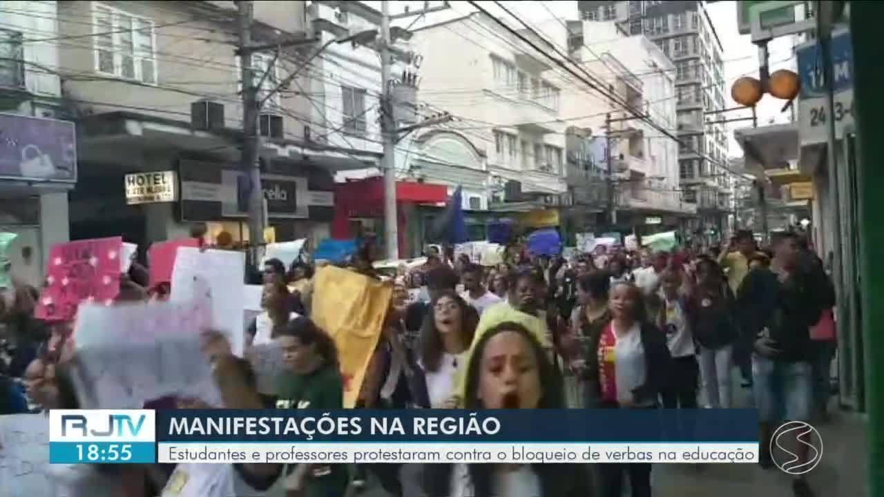 Estudantes e professores do Sul do Rio vão às ruas protestar contra cortes na educação