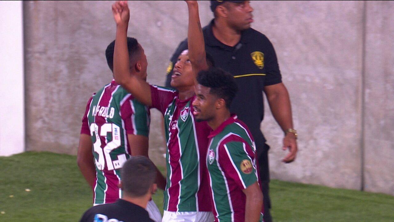 Gol do Fluminense! Após escanteio, João Pedro aproveita e empata, aos 48' do 2º Tempo
