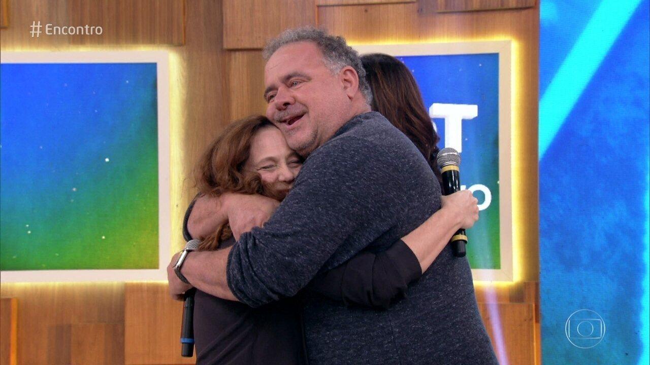 Leo Jaime surpreende a amiga Isabela Garcia no '#TBT do Encontro'
