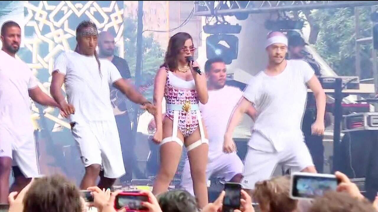 """Anitta canta """"Sua Cara"""" na 15º edição da 'Virada Cultural' em São Paulo"""