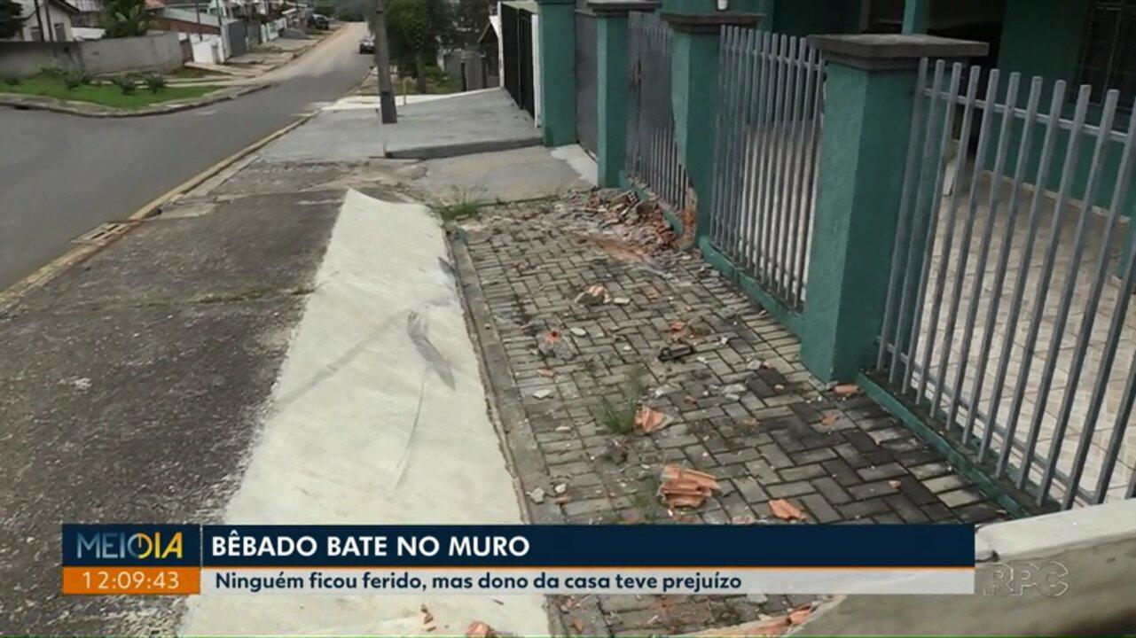 Motorista embriagado perde o controle e bate contra muro, em Ponta Grossa