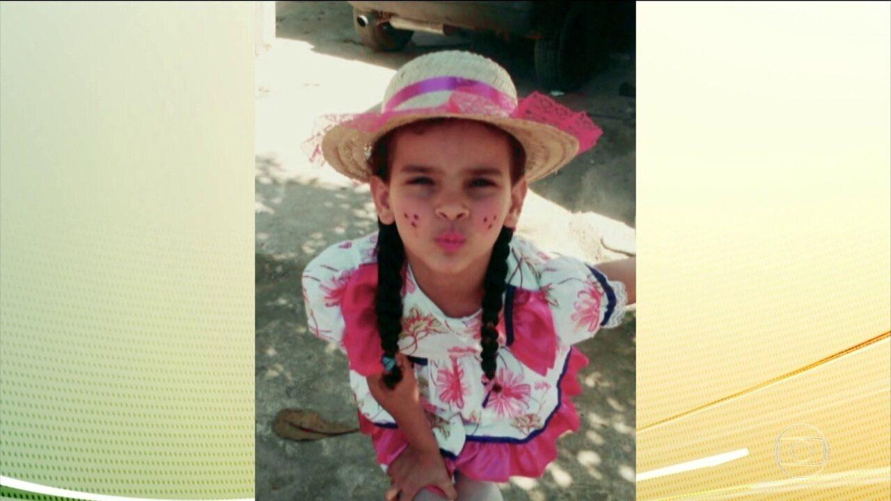 Morre menina que caiu numa poça de gasolina