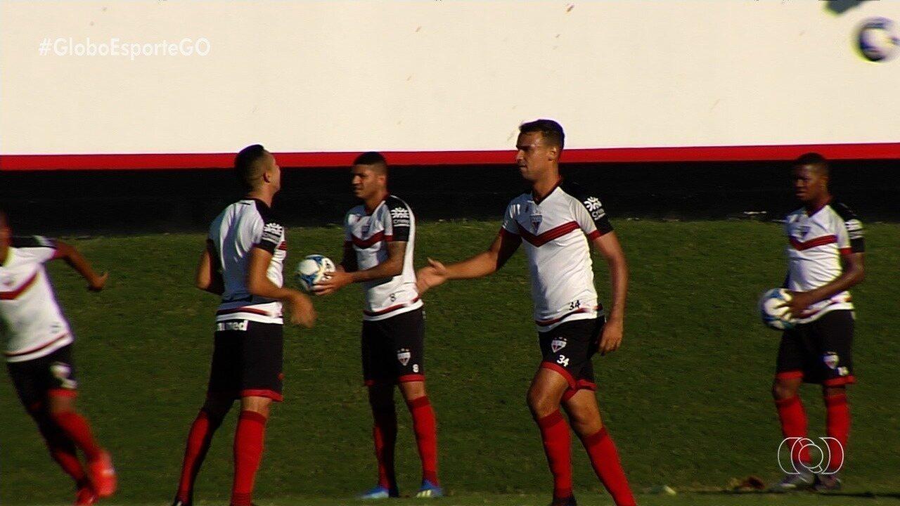 Atlético-GO trabalha para continuar fazendo gols, mas sofrer menos