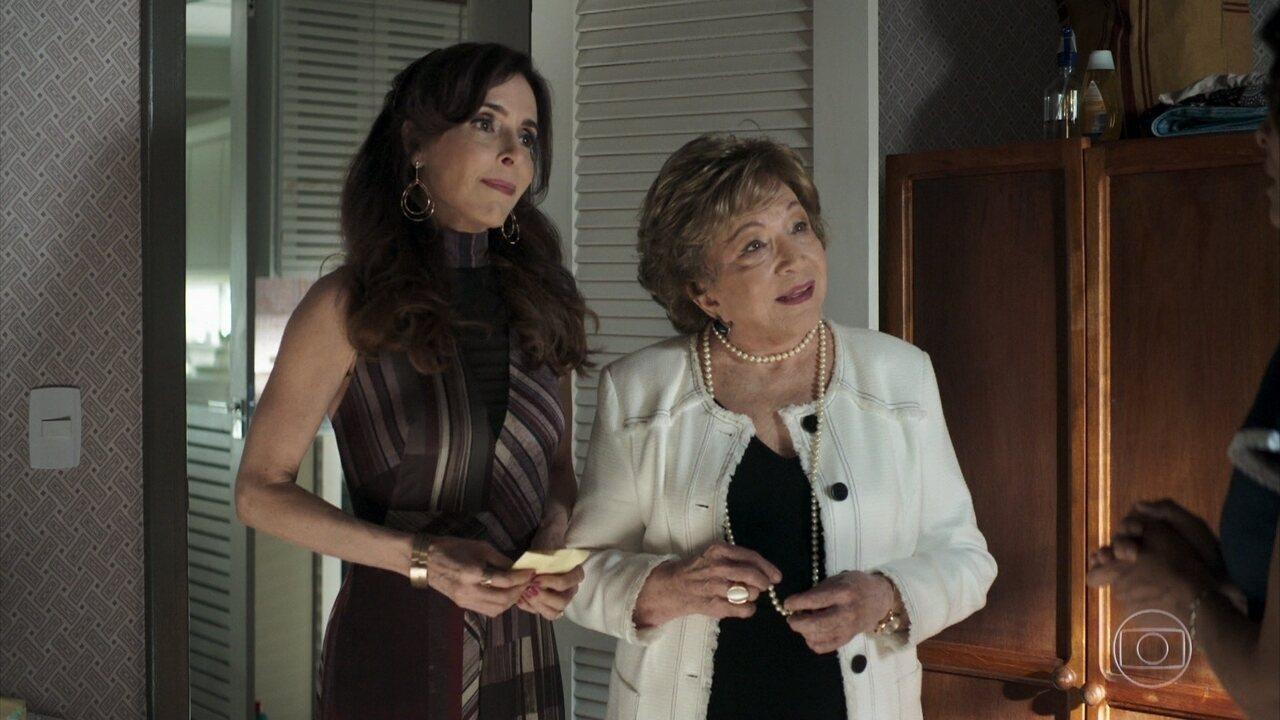 Gladys revela a Maria que ela está grávida