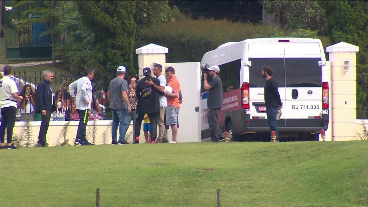 Neymar se apresenta na Granja Comary para iniciar preparação para a Copa América