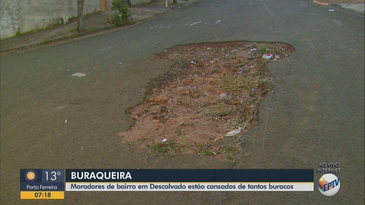 Moradores de Descalvado estão cansados de tantos buracos