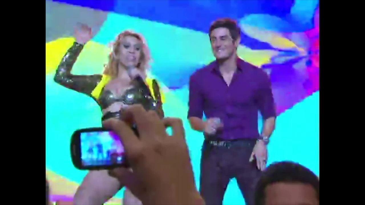"Chayenne, Joelma e Fabian cantam ""Se você me der"""