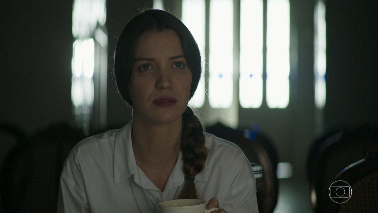 Fabiana descobre que Vivi Guedes é a sua irmã