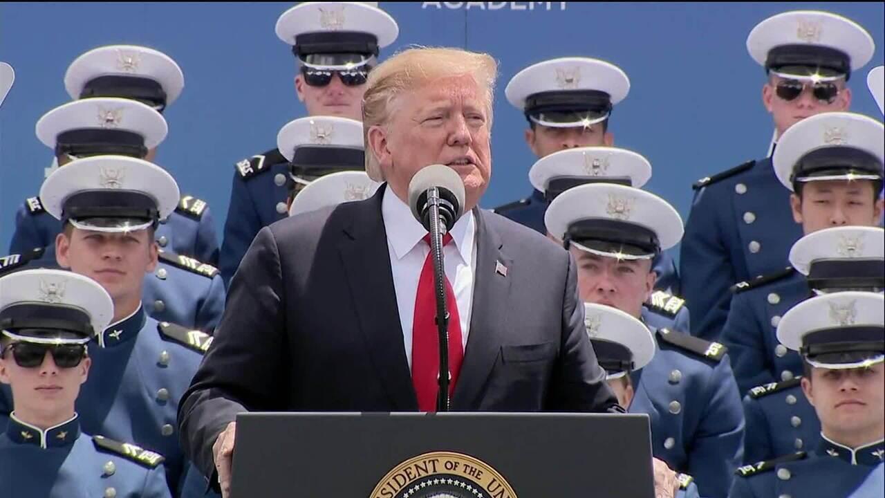 Trump impõe tarifas a produtos do México para forçar país a controlar migração