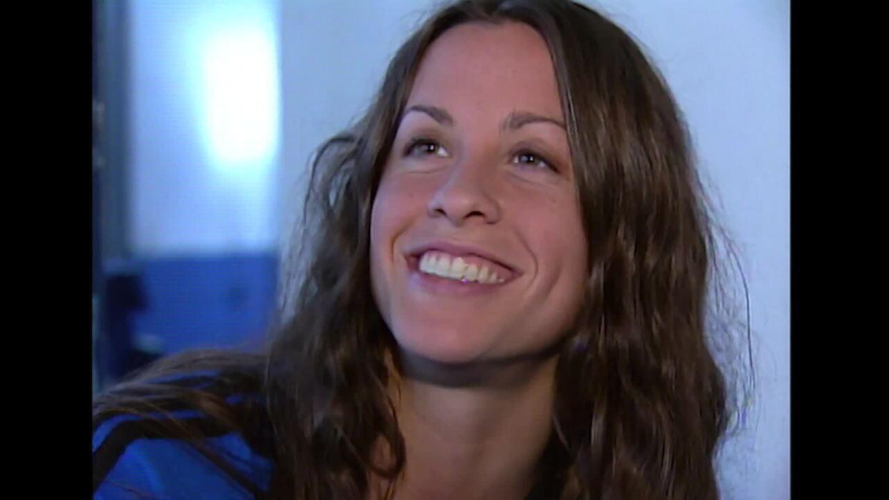 Reveja a participação de Alanis Morissette no Vídeo Show