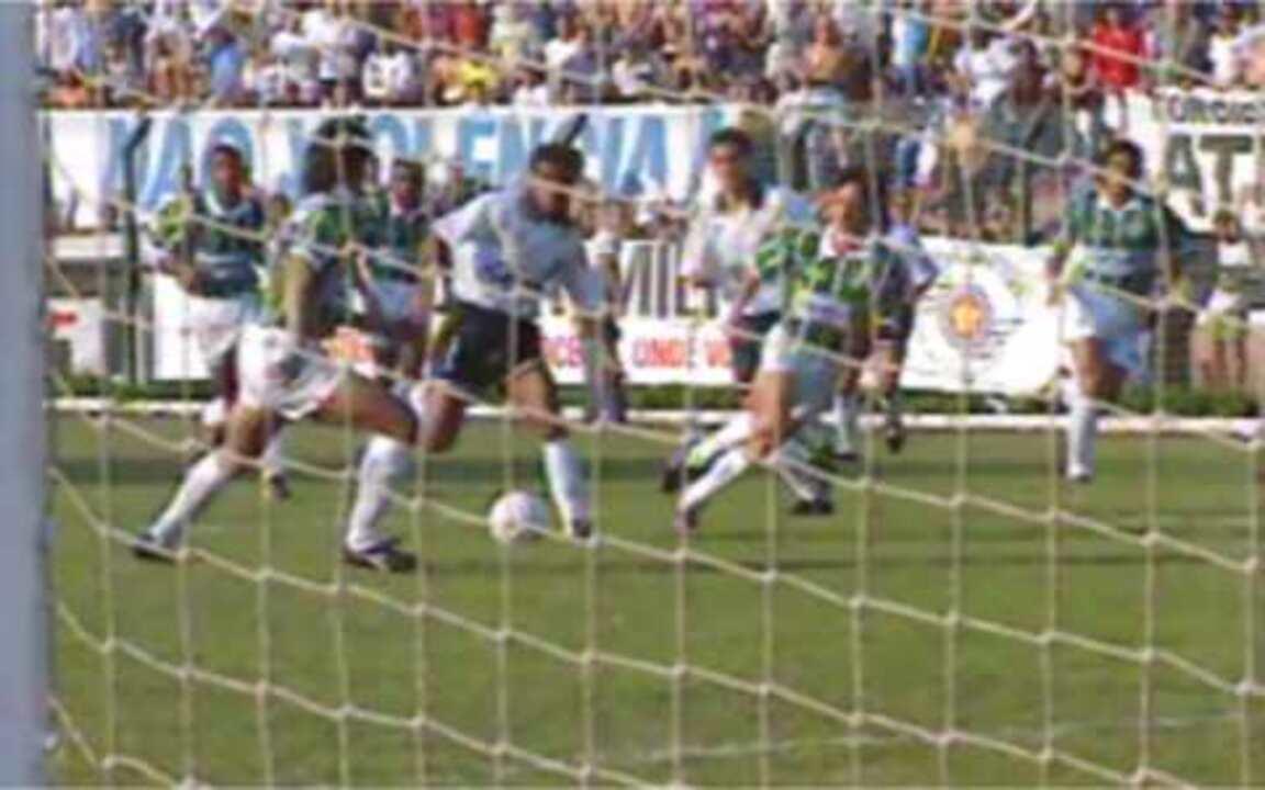 Palmeiras garante o empate contra o Corinthians e fica com o título da Copa Rio-SP 1993