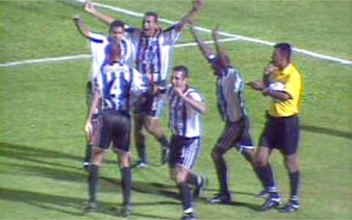 Melhores momentos de Palmeiras 2 x 1 ASA, pela Copa do Brasil 2002