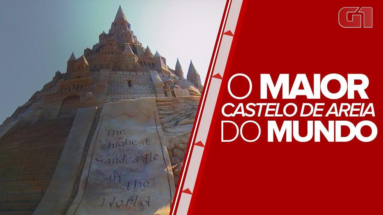 Artistas batem recorde de maior castelo de areia do mundo
