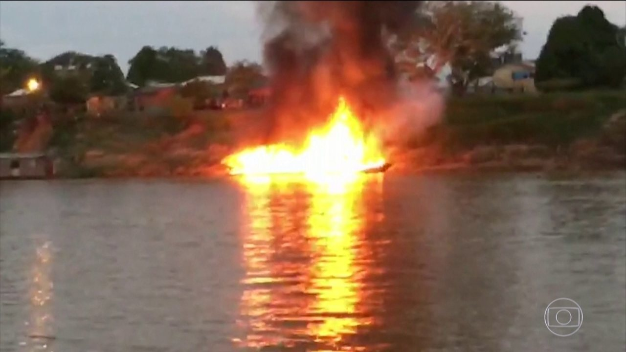 Embarcação explode durante abastecimento no rio Juruá, Acre