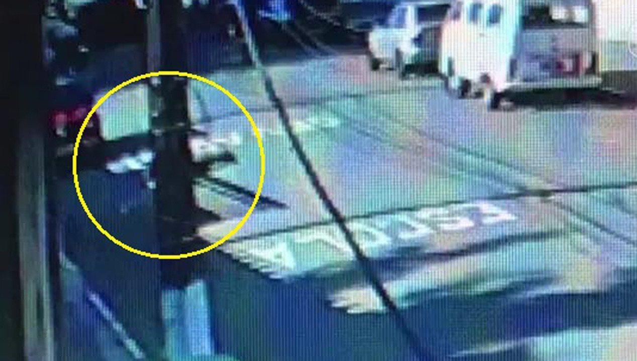 Câmera de segurança mostra momento em que ator e seus pais são mortos na Zona Sul de SP