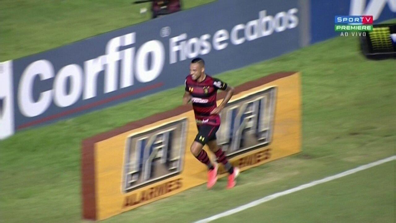 O oitavo e último gol veio de presente depois de Hernane Brocador perder um gol inacreditável