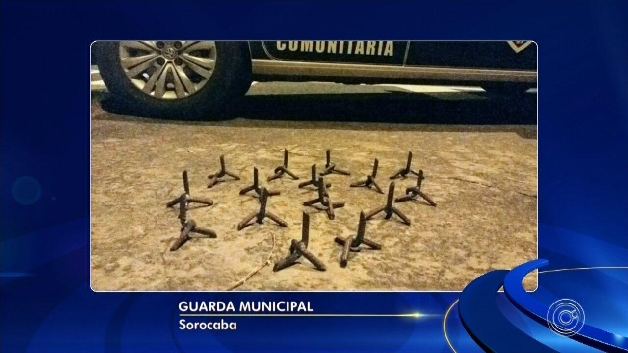 """Polícia Militar apreende """"miguelitos"""" no Distrito Industrial em Jundiaí"""