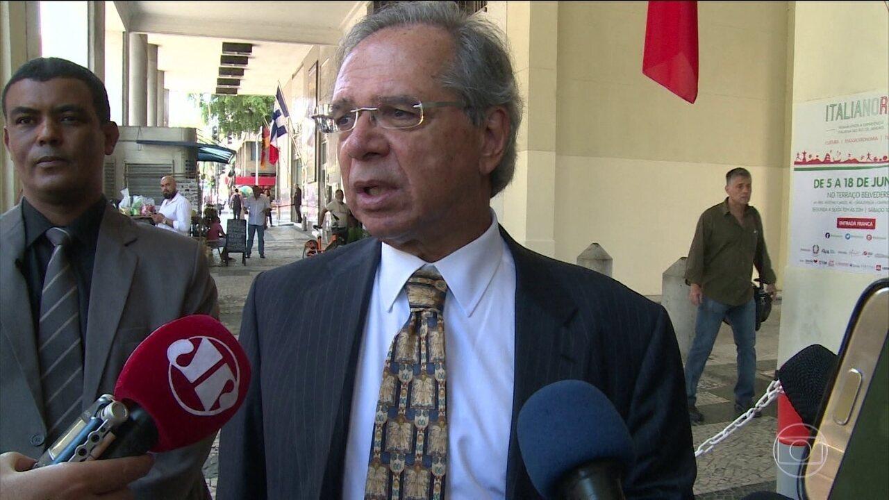 Guedes critica mudanças feitas por Samuel Moreira, do PSDB, na Reforma da Previdência