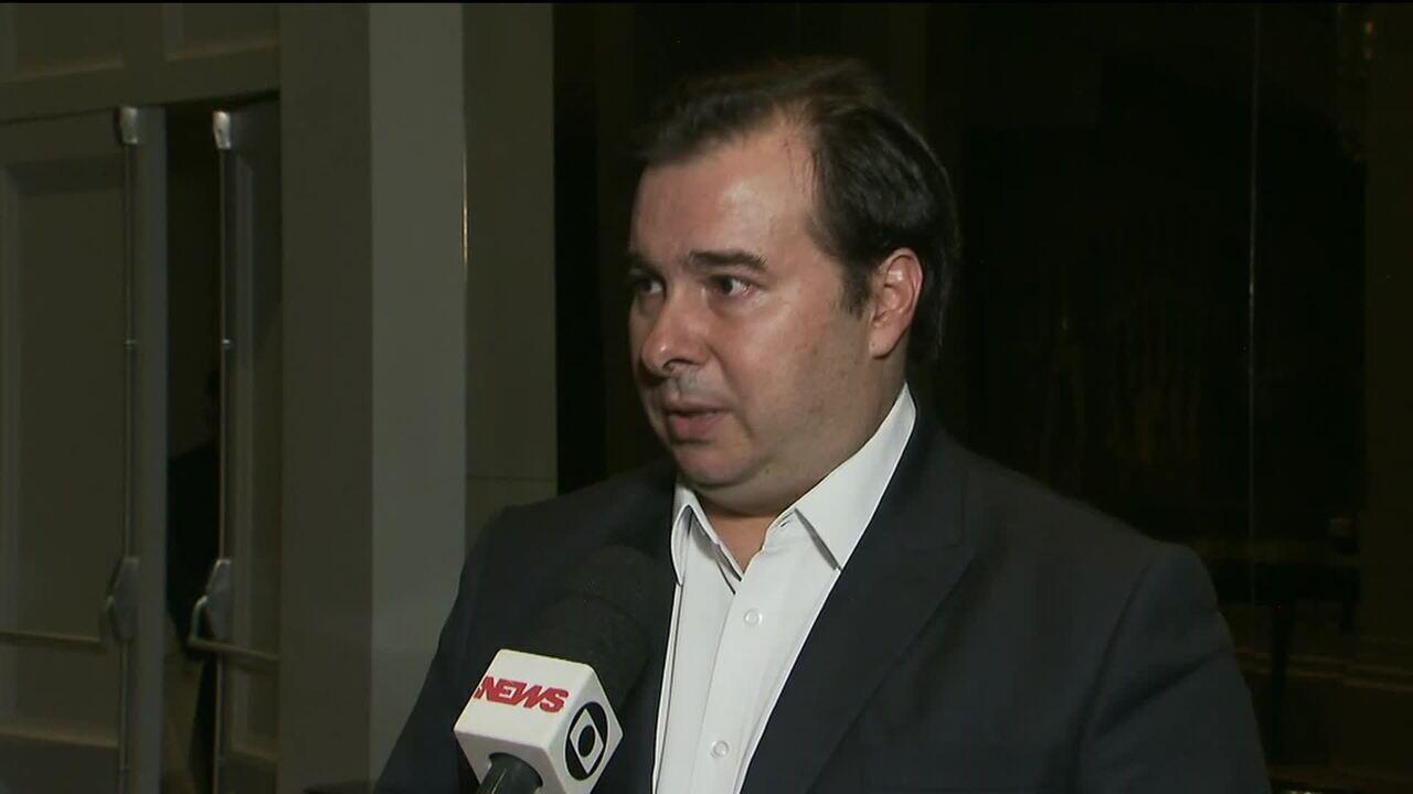 Maia rebate Guedes, diz que governo é 'usina de crises' e garante que Câmara fará reforma