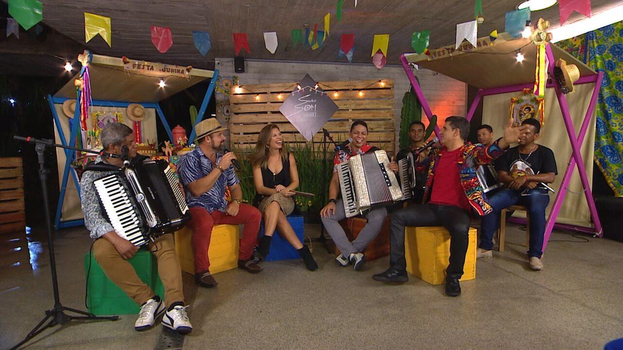 Grupo canta 'É de Dar Água na Boca' e fala das brincadeiras que fazem parte do São João
