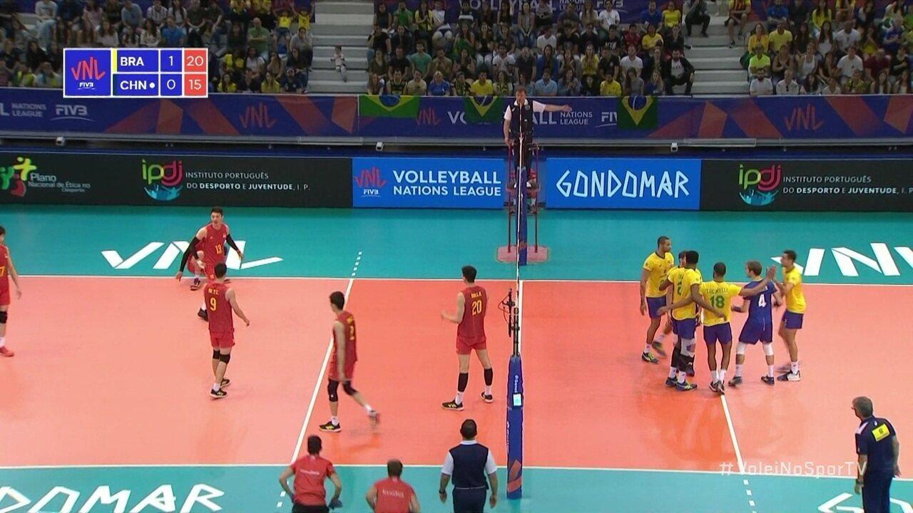 Brasil abre vantagem de 21 x 15
