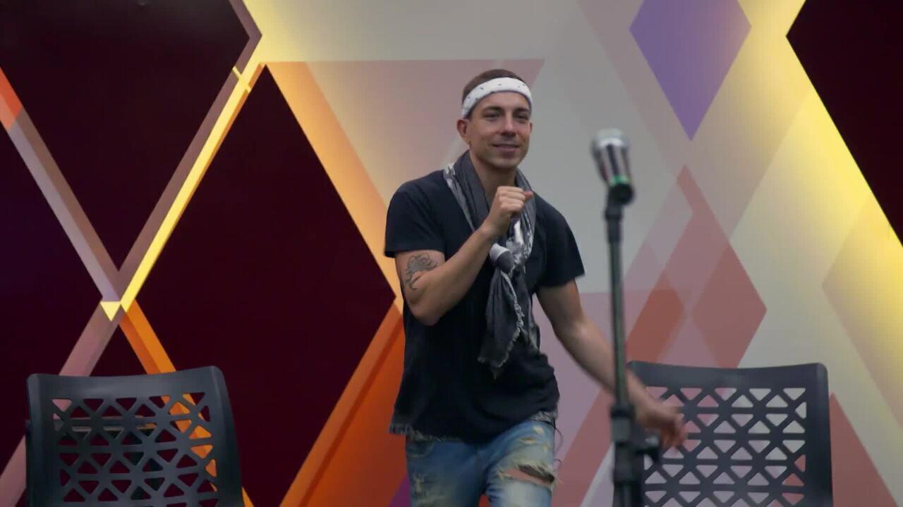 Di Ferrero ensaia para homenagear Cazuza no 'Show dos Famosos'
