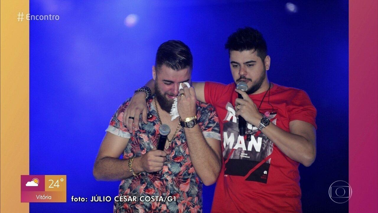 Fátima Bernardes bebe água antes de falar do desabafo do cantor sertanejo Zé Neto