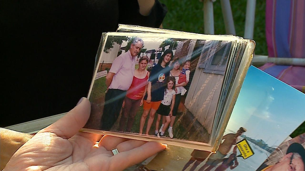 Casal junto há mais de 50 anos permanece unido no momento da despedida