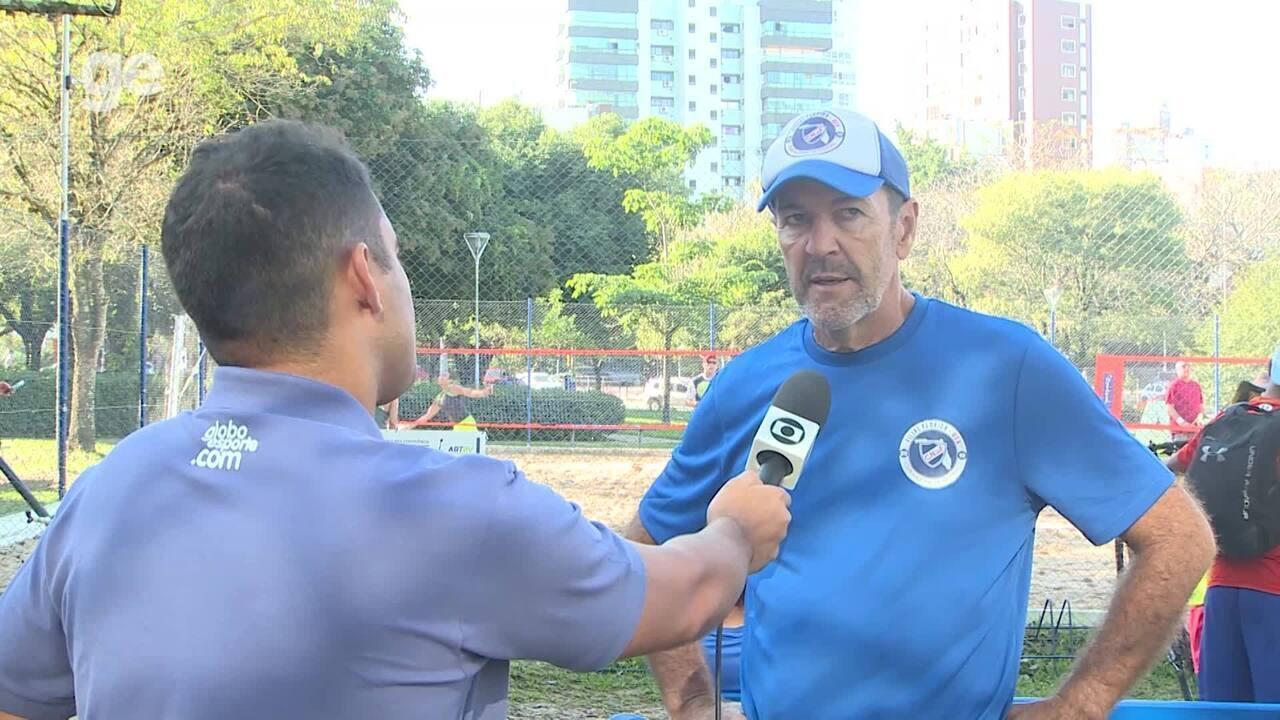 Hugo De Léon, uruguaio ídolo do Grêmio, fala sobra a seleção uruguaia na Copa América