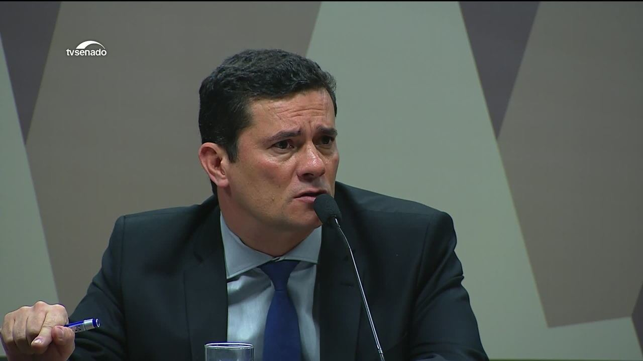 Sergio Moro pede que o site Intercept apresente todo o conteúdo das mensagens de uma vez