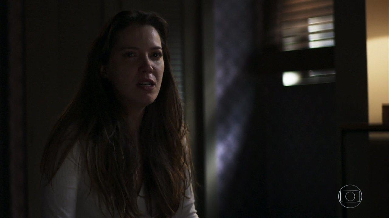 Fabiana tem ataque de fúria e começa a colocar em prática seu plano contra Vivi Guedes
