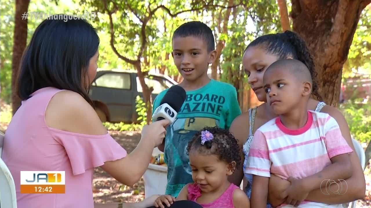 Menino de quatro anos junta latinhas para fazer festa de aniversário