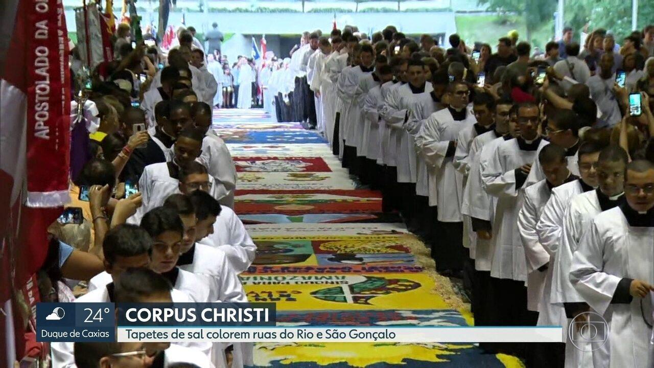 Corpus Christi colore ruas e emociona fiéis.