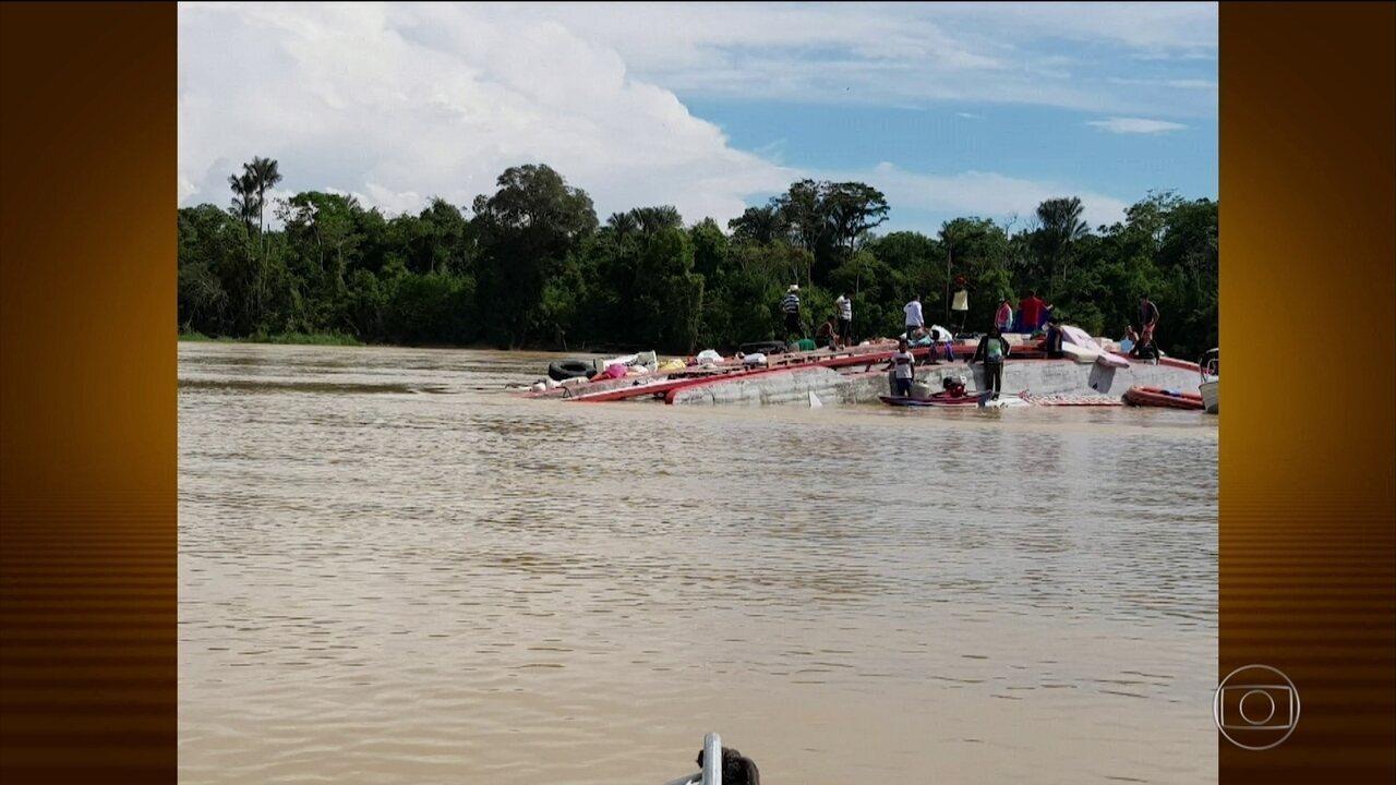 Equipes buscam seis pessoas desaparecidas em naufrágio no Amazonas