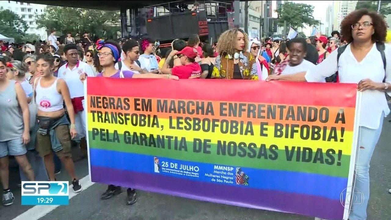 Lésbicas e mulheres bissexuais fazem manifestação na capital