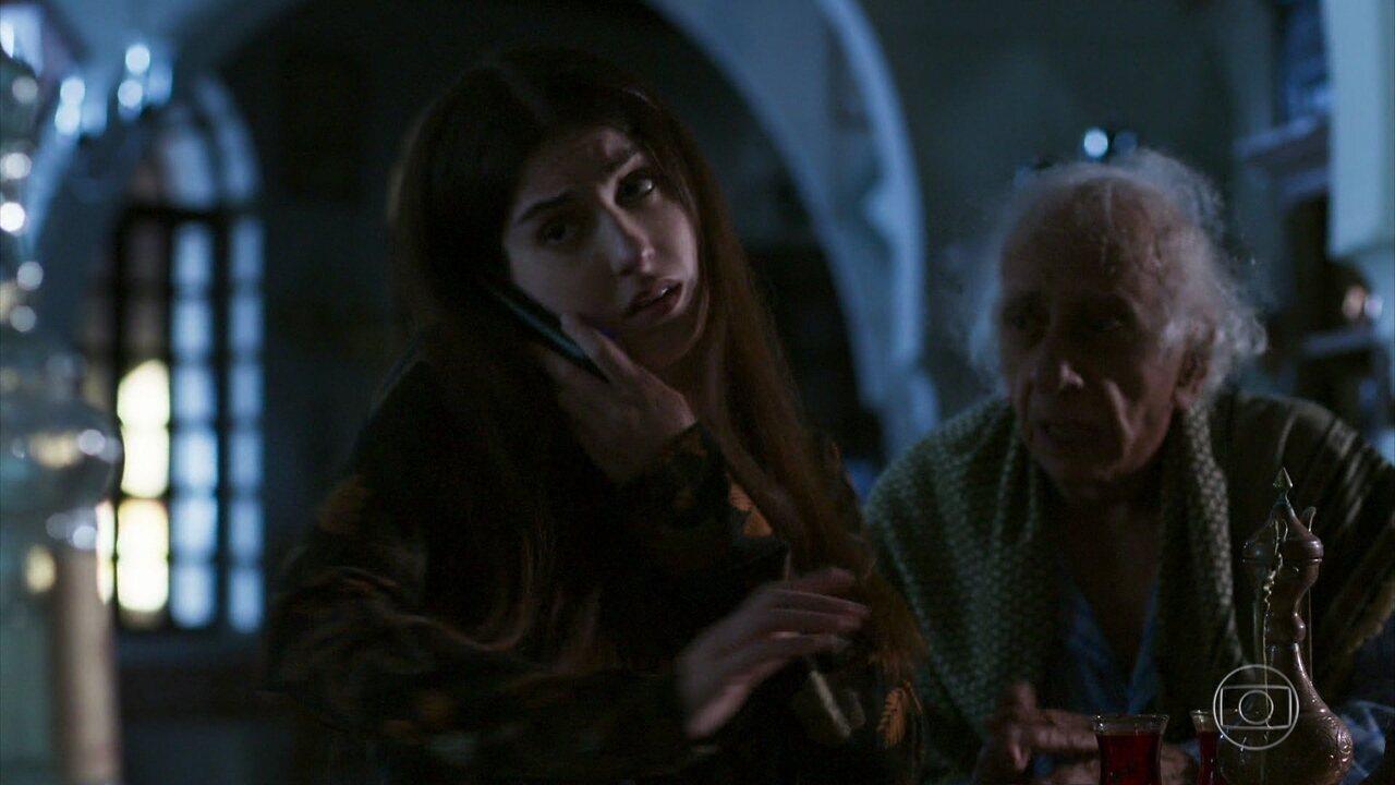 Mamede recebe um telefonema do irmão de Latifa e fica preocupado