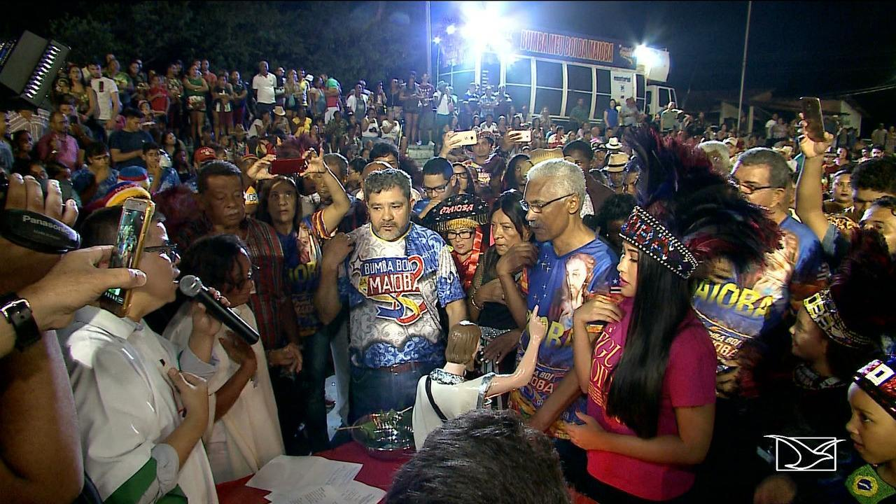 Tradicionais grupos de bumba boi realizam batizado em São Luís