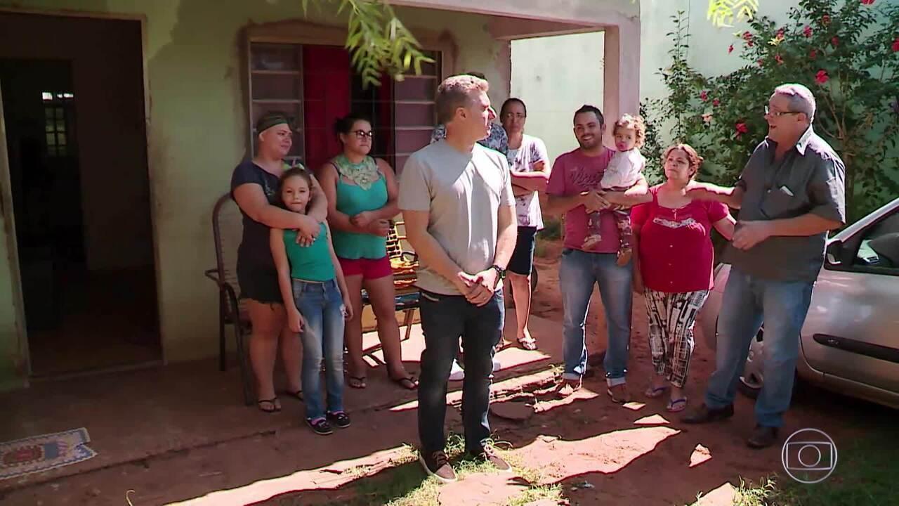 O 'Mandando Bem' conta a história de uma família que investe na fabricação de calças jeans