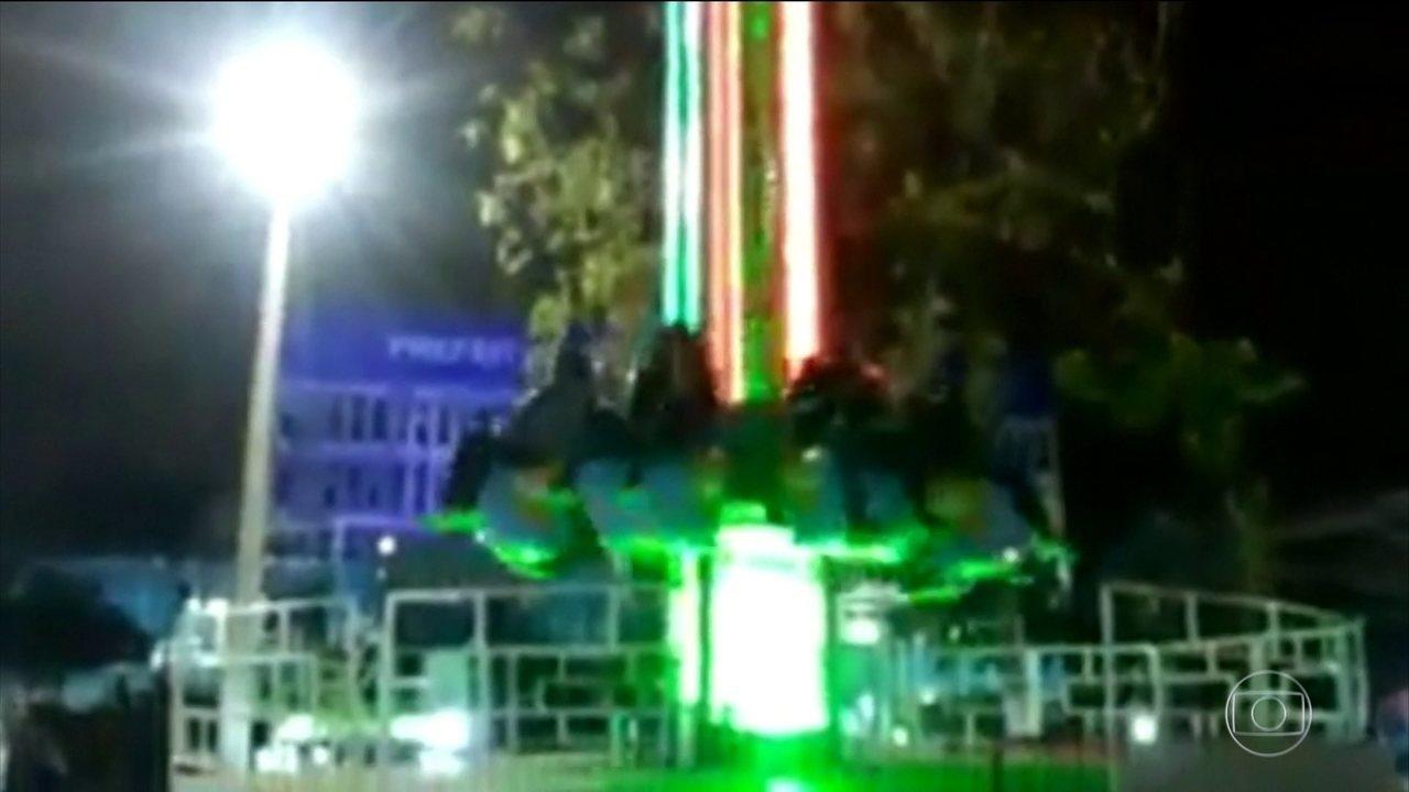 Jovem sofre acidente em parque de diversões no Rio de Janeiro