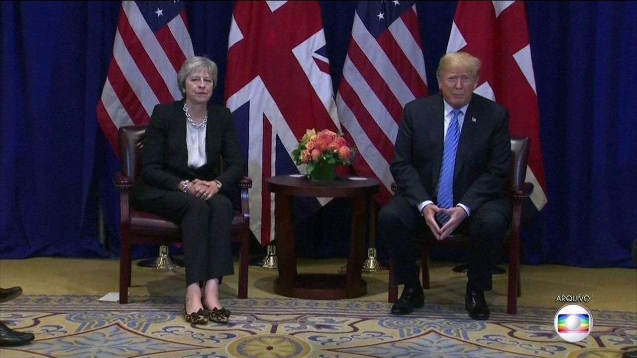 Primeira-ministra do Reino Unido defende embaixador após críticas de Trump
