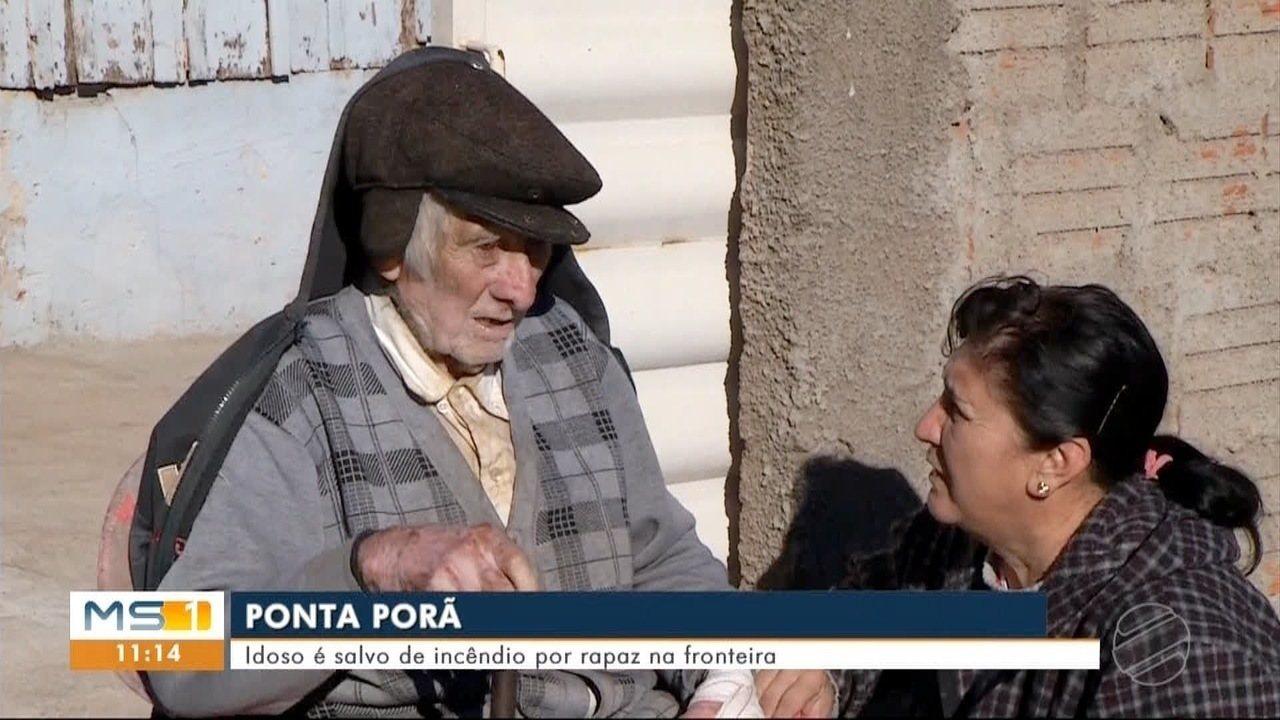 Idoso é salvo de incêndio na própria casa, em Ponta Porã