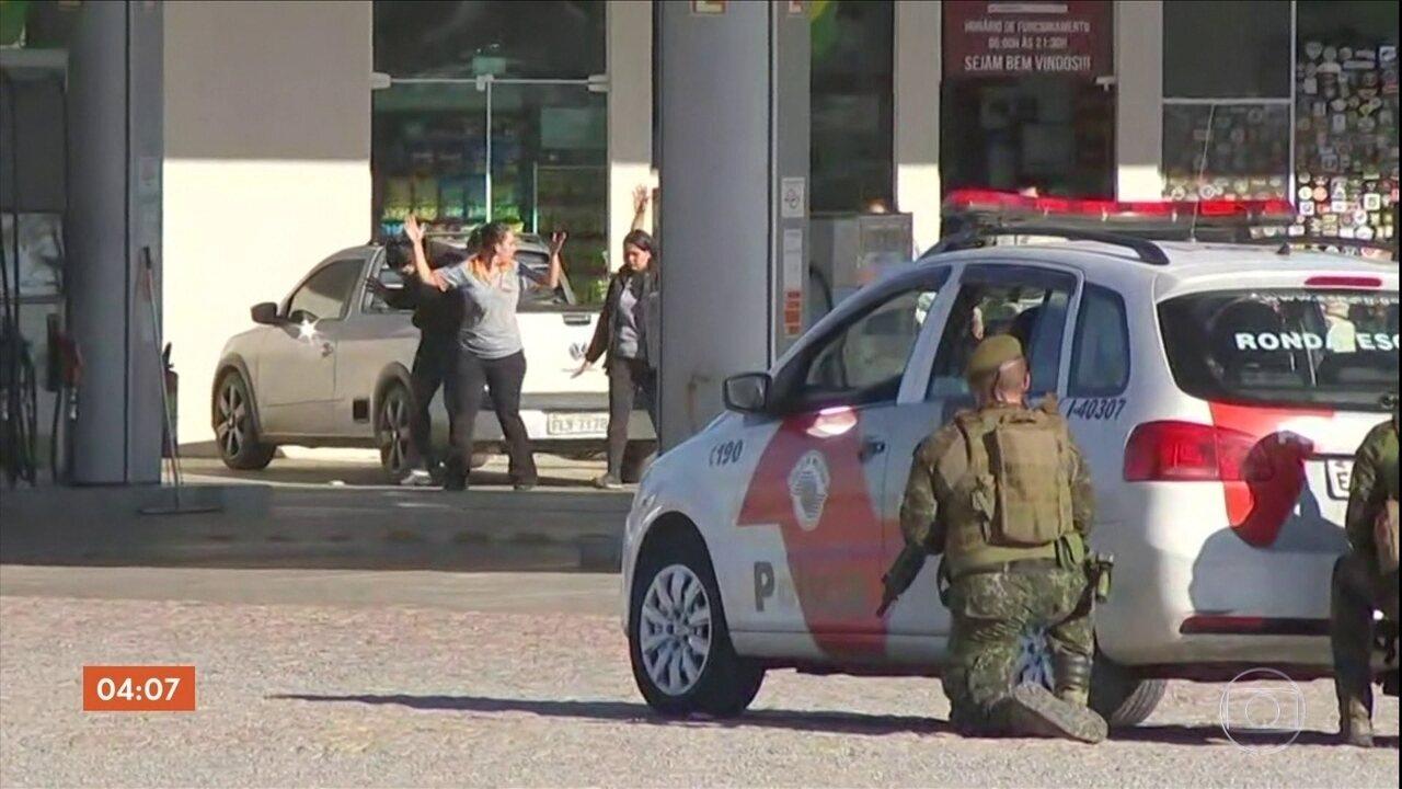 Bandidos invadem restaurante e fazem reféns em Piedade, SP
