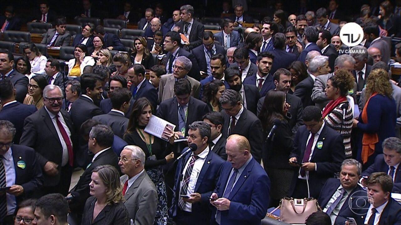 Plenário se reúne para votar proposta de emenda à Constituição da reforma da Previdência