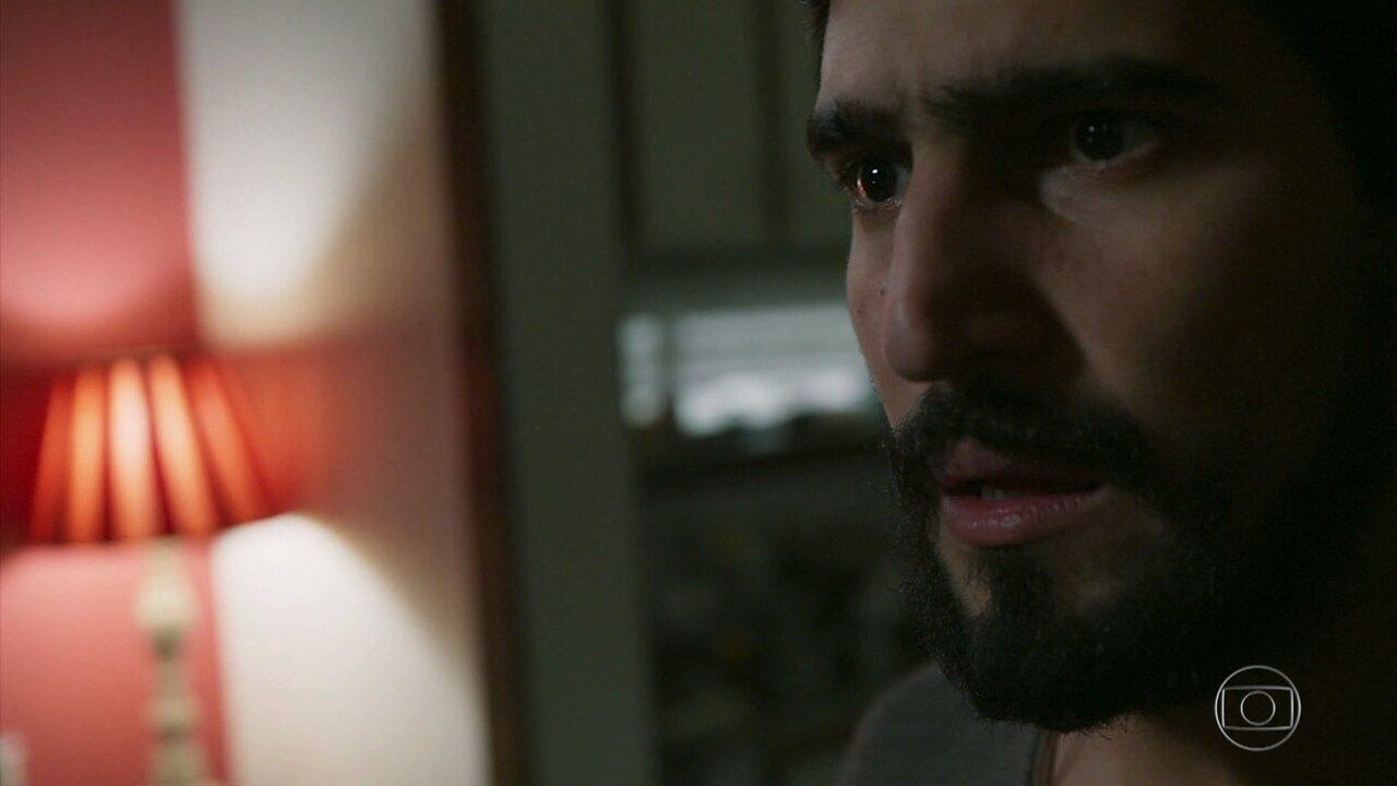 Jamil implora para ter mais uma chance com Laila