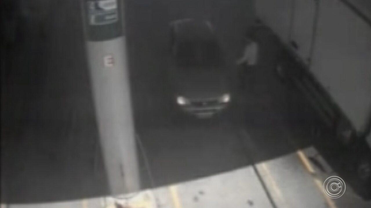 Câmeras flagram tentativa de fuga de grupo que fez reféns em restaurante de Piedade