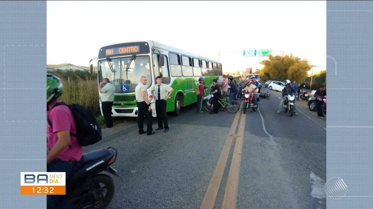 Colisão entre caminhão e moto causa morte de homem em Vitória da Conquista