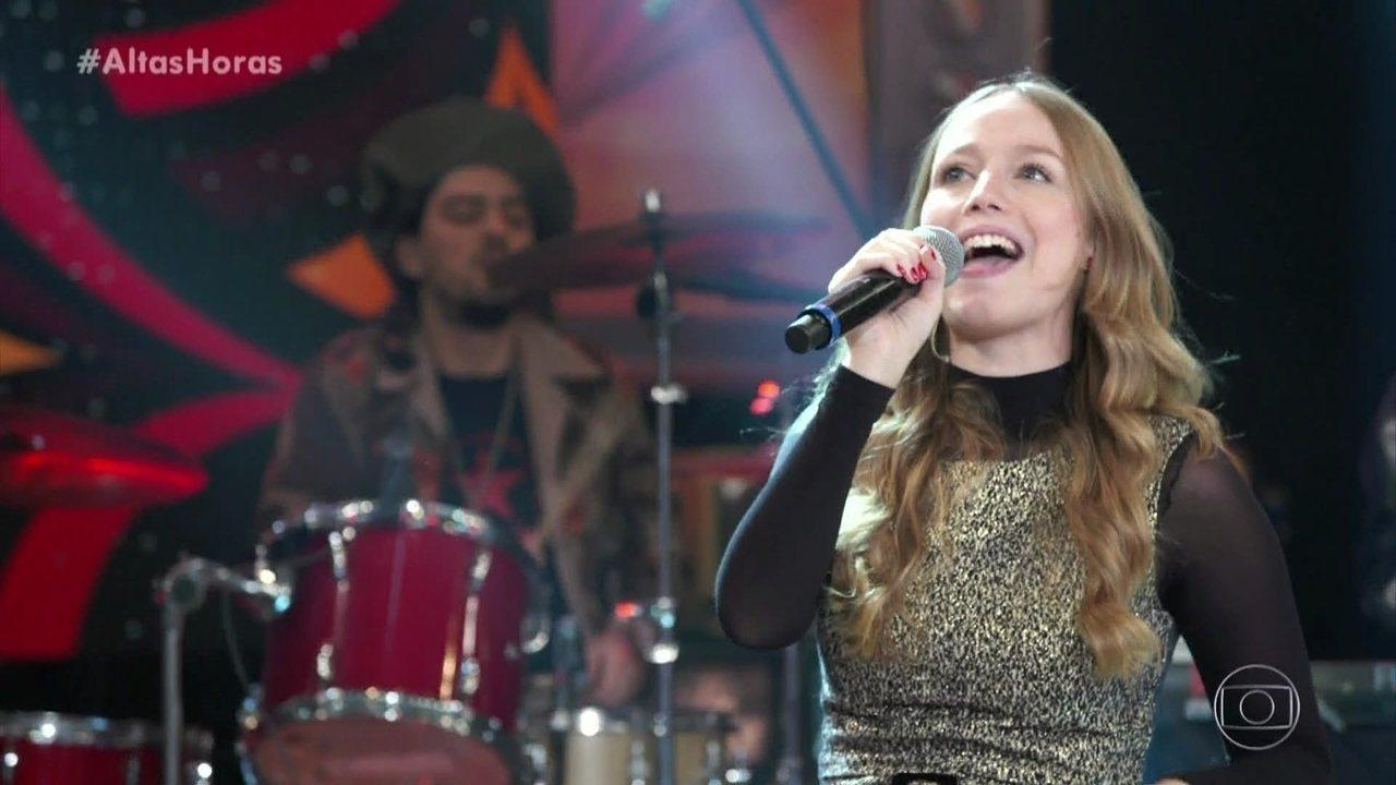 Malu Rodrigues canta 'Prova de Fogo'