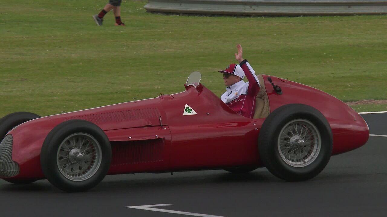 Kimi Raikkonen anda com o Alfa Romeo 159 em Silverstone