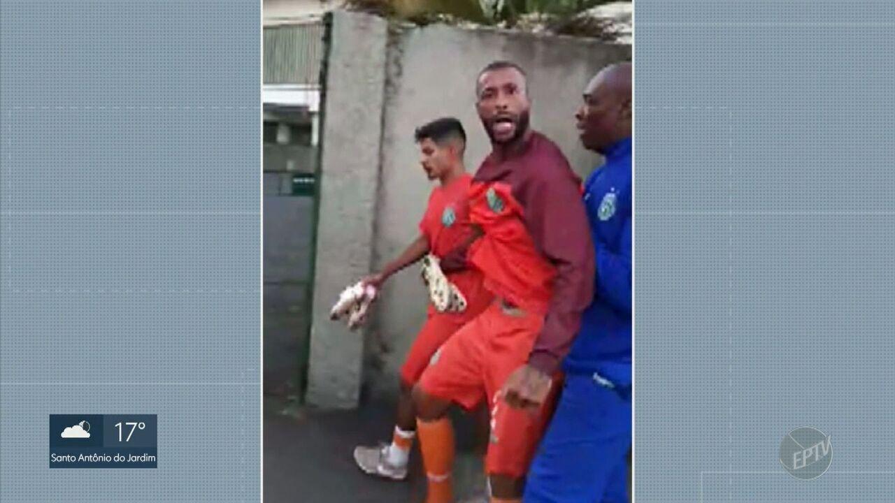 Clima quente no Bugre: dia tem bate-boca de jogador com torcedores e ameaças ao presidente