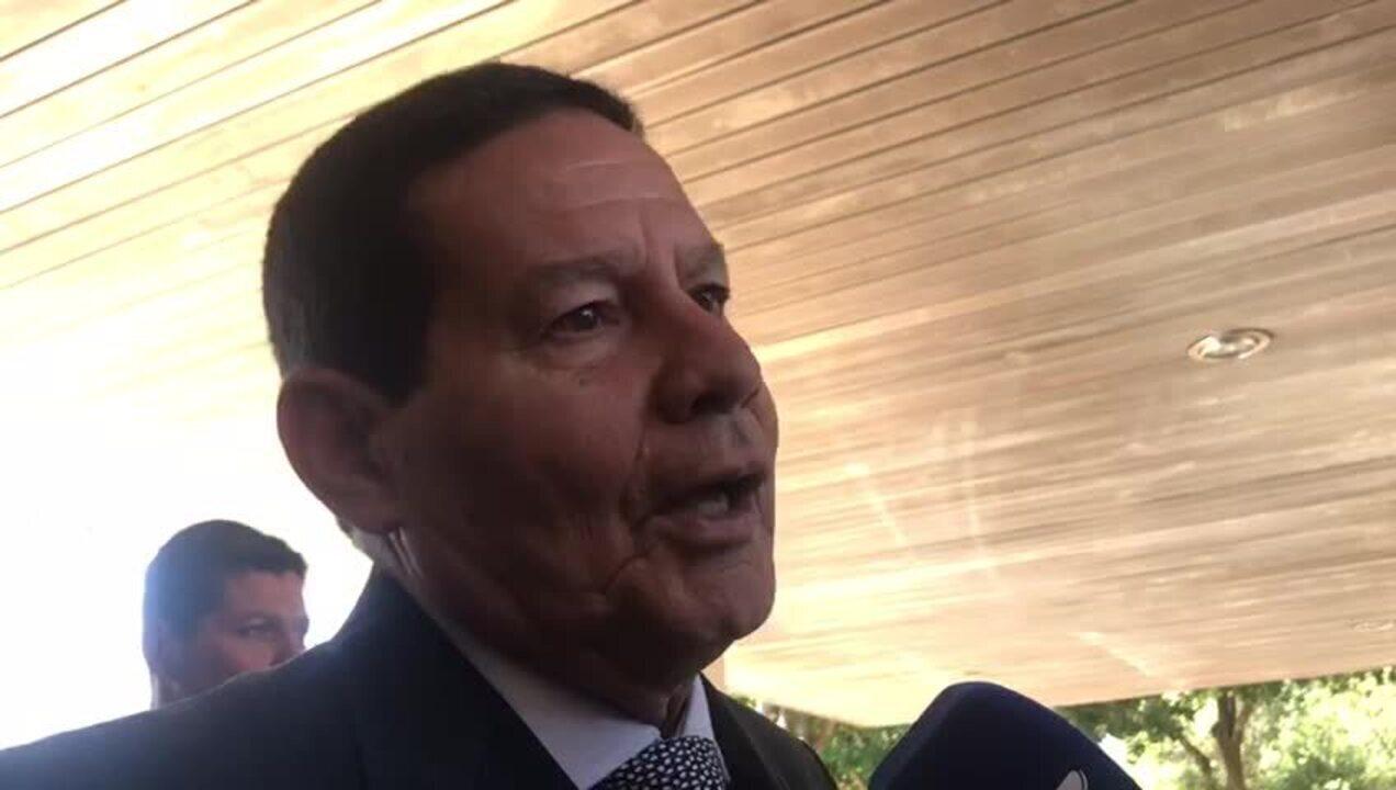 Mourão: Indicação de Eduardo Bolsonaro para embaixada nos EUA 'está dentro do padrão'